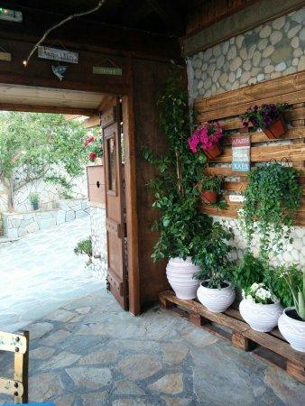 Marathias, Grecia: Βοτσαλο