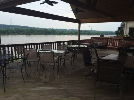 Vevay, IN: Large deck out back with plenty of seating