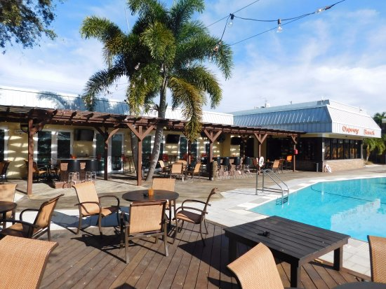 Osprey, FL: Great Outdoor Pool & Tiki Bar