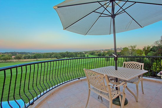 Centurion, South Africa: Executive Room 11 - View over the golf course