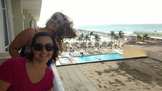 Sunny Isles Beach, FL: sacada e vista do quarto