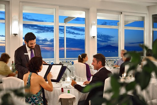 Vesuvio Roof Restaurant Sorrento: courtesy and kindnes