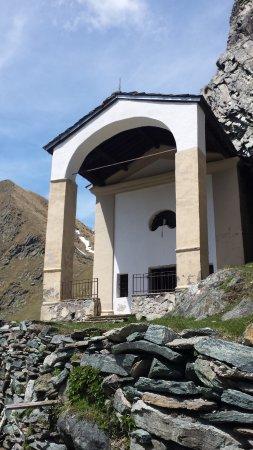 Valprato Soana, Italy: l'entrata del santuario