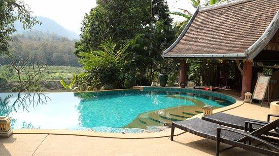 Ban Xieng Lom, Laos: Sanctuary resort's pool