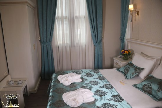 Valide Hotel: French Bed