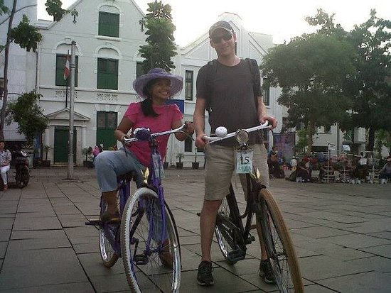 Jakarta Old Town: Riding Bycyle in Old Town