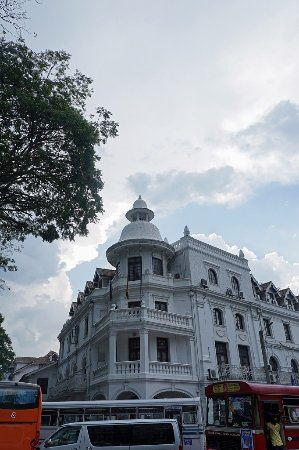 Queens Hotel Kandy Photo