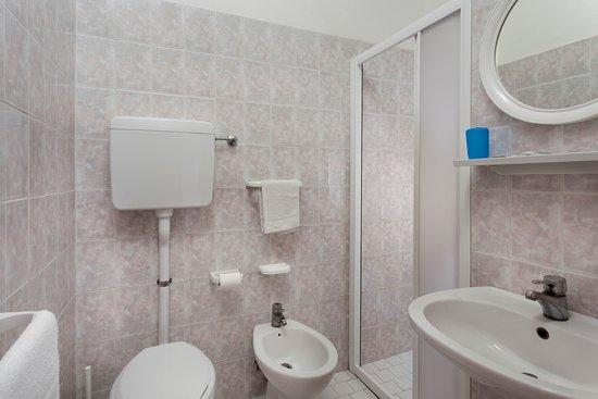 9e1415c443 bagno con box doccia - Foto di Hotel Panoramic, Riccione - TripAdvisor