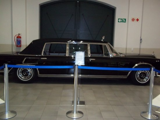 The Franschhoek Motor Museum : Official car for 7 SA presidents.