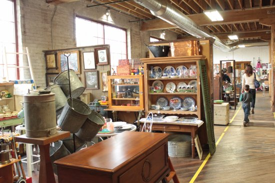 Nappanee, IN: Shop Dutch Lady Antiques inside Coppes Commons