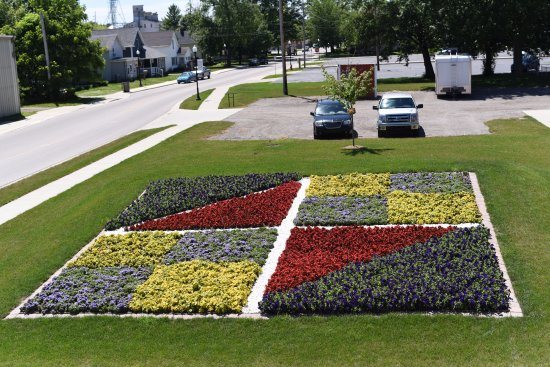 Nappanee, IN: Coppes Commons is home to one of over 50 Quilt Gardens along the Northern Indiana Heritage Trail