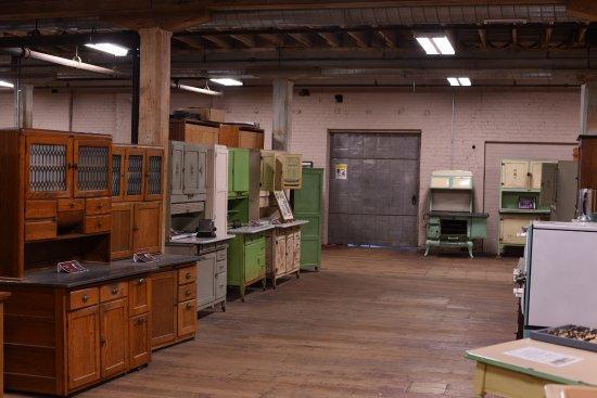 แนพพานี, อินเดียน่า: Visit the Hoosier Cabinet Museum on the second floor of Coppes Commons