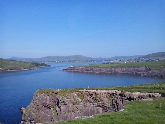 The Last Cottage B & B : Dingle - what a view.