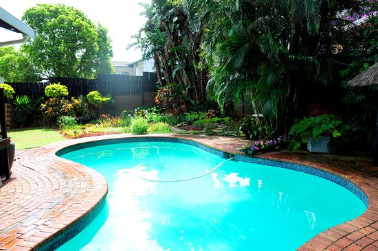Berea, แอฟริกาใต้: Durban weather provides many sunny days to enjoy at the pool.