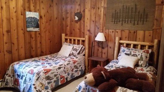 Jewel Lake Bed & Breakfast: The Alaska Suite -1 queen, 2 twins, bath