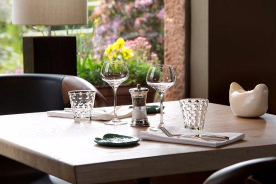 restaurant la cheneaudi re spa foto di la cheneaudiere. Black Bedroom Furniture Sets. Home Design Ideas