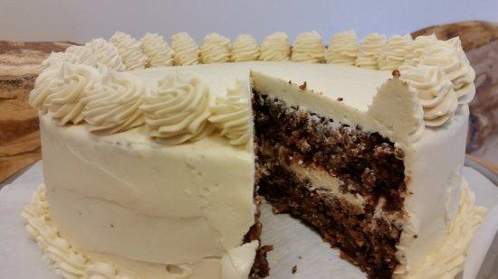Sackville, Canada: GF Vegan Carrot Cake with vegan cream cheese icing.