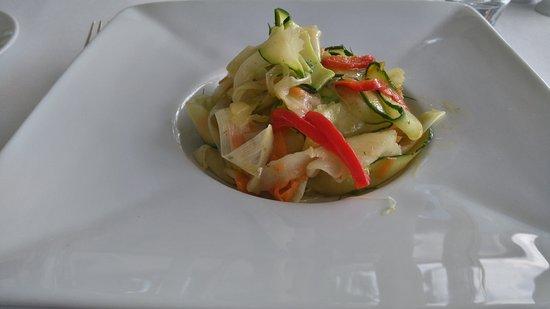 Hagetmau, França: menu végétal : tagliatelles de légumes