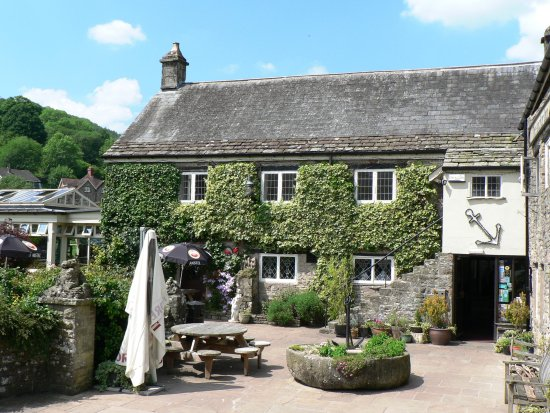 Anchor Courtyard Entrance from Tintern Abbey Road