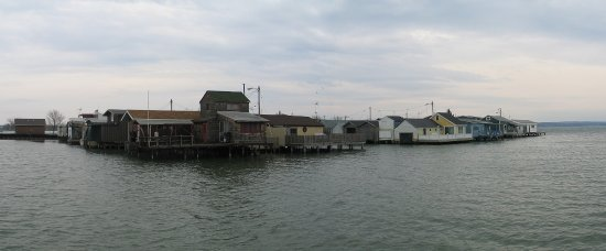 Canandaigua, Νέα Υόρκη: A panaromic view of the boat houses at the pier