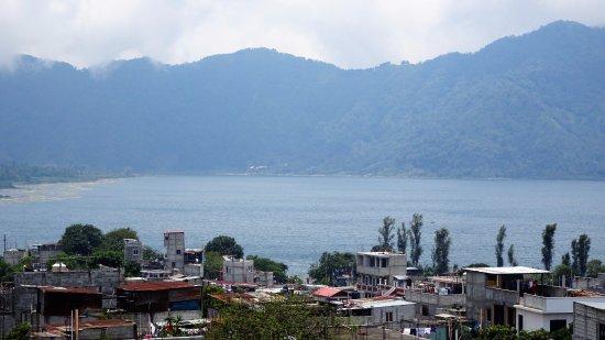 Santiago Atitlan, Guatemala: vue depuis le mirodor sur le lac Atitlan