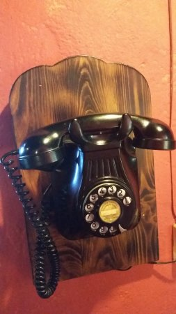Castellfollit del Boix, สเปน: Teléfono decorativo restaurante Cal Frare
