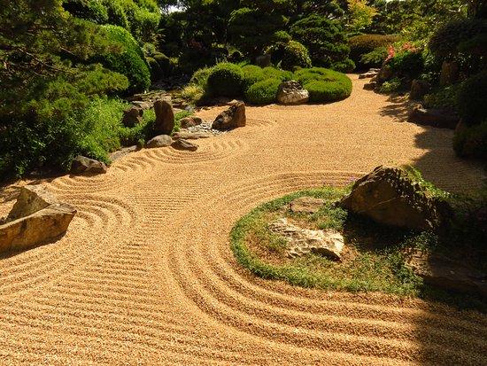 Photo de jardin zen d 39 erik borja beaumont monteux tripadvisor - Beaumont monteux jardin zen ...