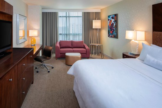 The Westin Mount Laurel: Non-Smoking King Bedroom
