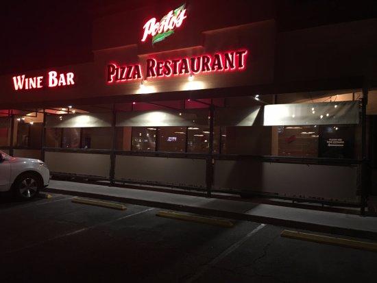 Chandler, AZ: More Than A Wine Bar!!