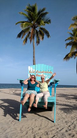 Fort Lauderdale Beach: Silly Girls