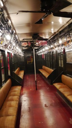 Vintage rattan seats car picture of new york transit for Nyc transit museum hours