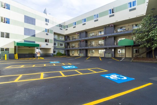 GuestHouse Inn & Suites Anchorage Photo