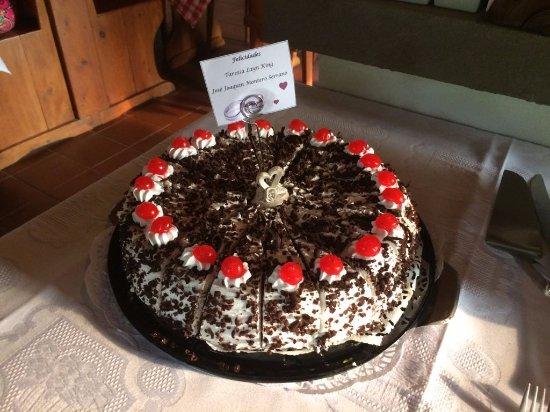 Nuevo Arenal, Costa Rica: Pastel hecho para nosotros