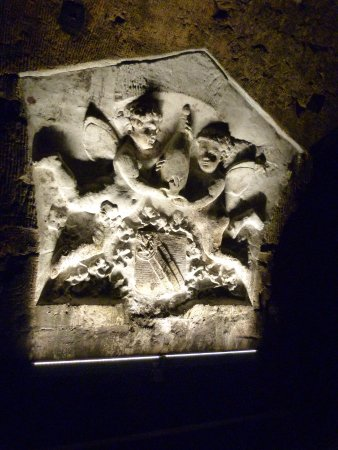 Epernay, Frankreich: sculptures dans les caves