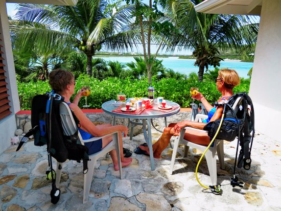 Harbour Club Villas & Marina: Breakfast before heading to the marina for diving...it's only a minute walk!
