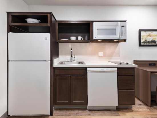 Cranberry Township, PA: In-Room Kitchen