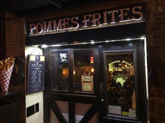 Pommes Frites : Front View of Establishment