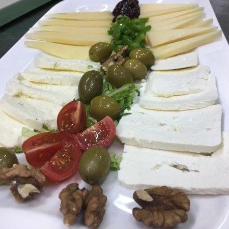 Podstrana, Croatia: Cheese platter