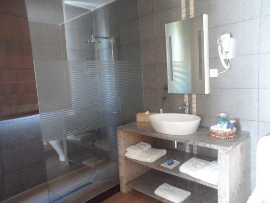 Mahavelona, Madagaskar: Bathroom 27B
