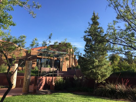 Sedona Rouge Hotel and Spa: Out the back door