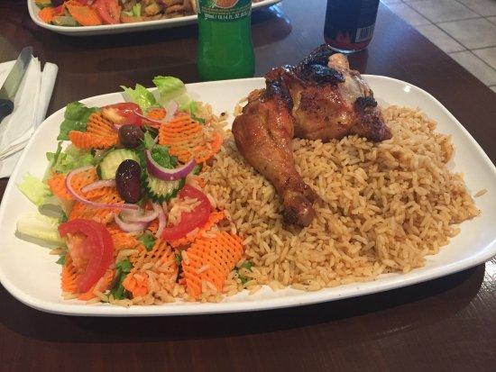 Saint Hyacinthe, Canadá: Quart de poulet cuisse avec riz et salade
