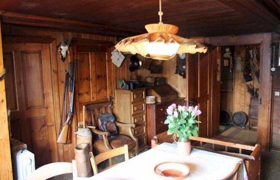 Toerbel, Switzerland: Das Wohnzimmer von Bruno bis zu seinem Ableben. Sehr eindrücklich und liebevoll
