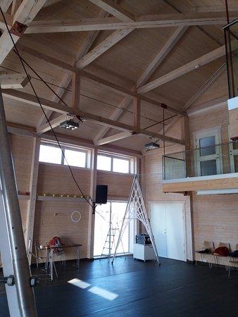 Glasslaven kunstsenter: I Glasslåvens største rom kommer det scenekunstnere fra hele verden for å arbeide.