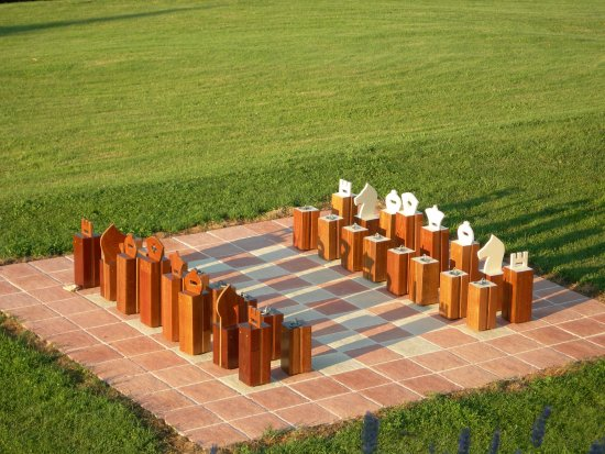 Saint-Antoine-de-Breuilh, Francia: Giant Chess game