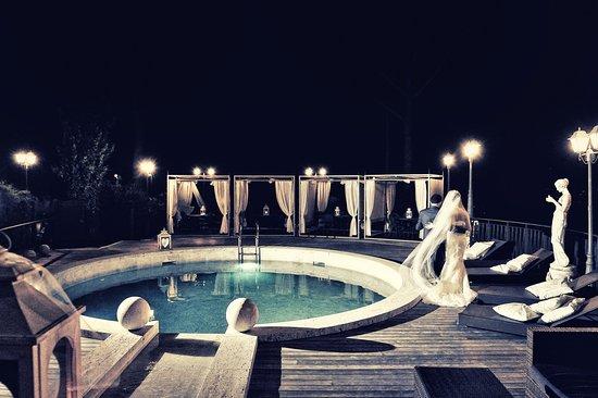 piscina sul terrazzo panoramico - Foto di Villa Euchelia ...