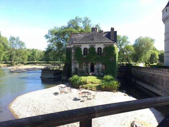 Azay-le-Rideau, Frankrike: pavillon buvette au bord de l'eau