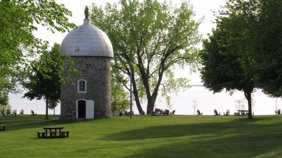 Chateauguay, Канада: Situé sur l'île St-Bernard à Châteauguay, une visite une Bistro est aussi une visite dans l'hist