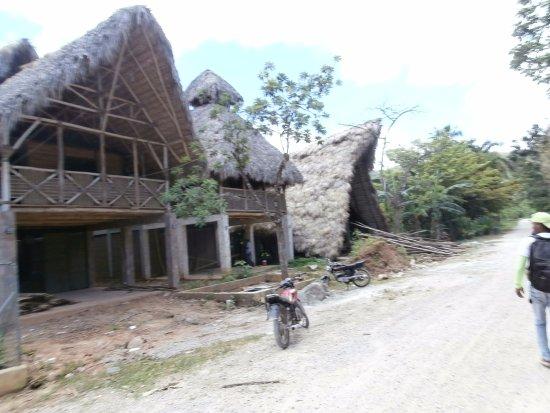 Santa Barbara de Samana, Dominik Cumhuriyeti: Eco lodges being built
