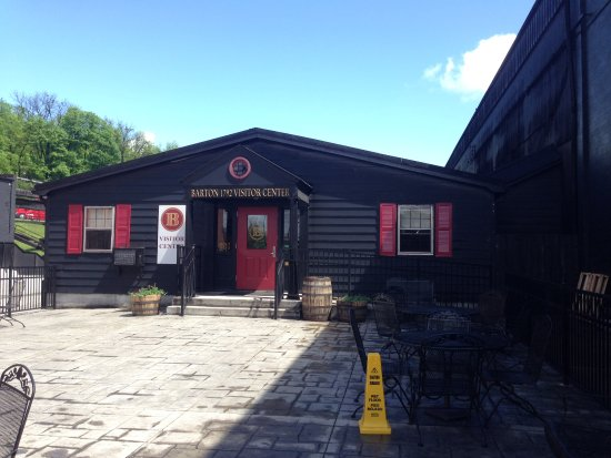 Bardstown, KY : Tasting room and gift shop