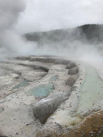 Taupo, Neuseeland: pool but man made terraces
